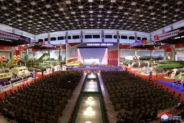 Al mismo tiempo, el líder de la RPDC, Kim Jong-un, quien asistió a la inauguración de la exposición, aseguró a los presentes que Corea del Norte siempre busca la paz. - Sputnik Mundo