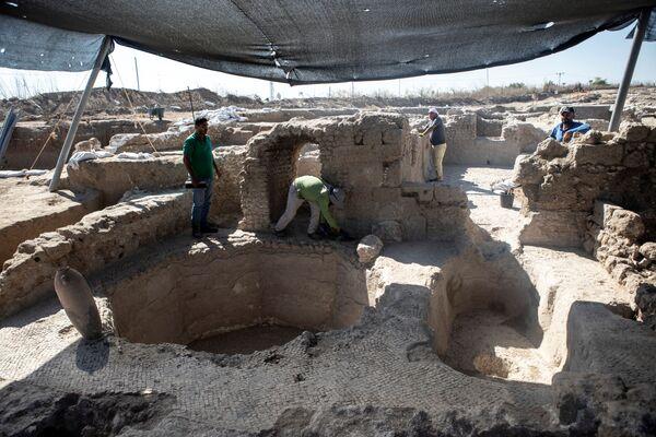 El hallazgo demuestra también que en la antigüedad la ciudad de Yavne era uno de los centros de producción de vino a nivel mundial. - Sputnik Mundo