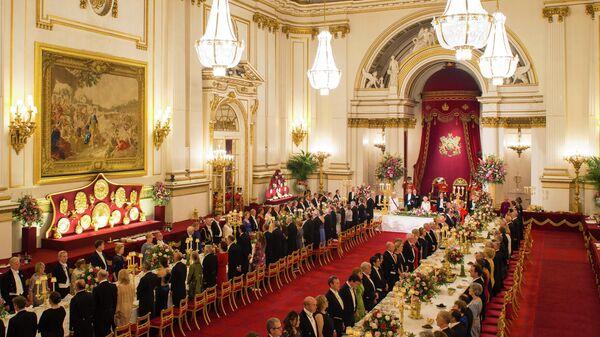 Una cena de gala en el Palacio de Buckingham (Reino Unido) - Sputnik Mundo