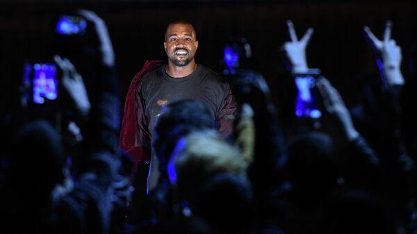 El rapero Kanye West - Sputnik Mundo