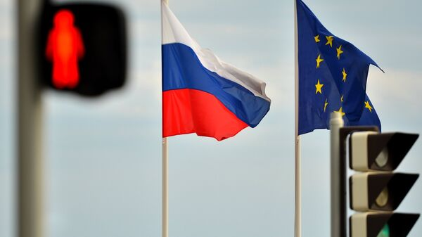 Relations between Russia and the EU have deteriorated with the escalation of the Ukrainian crisis, as western governments imposed economic sanctions on Russia, accusing Moscow of aiding independence supporters in eastern regions of the country. - Sputnik Mundo