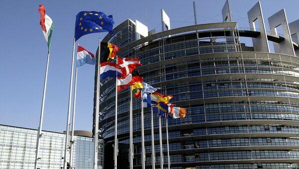 El número de los contrarios a las sanciones contra Rusia asciende en Europa - Sputnik Mundo