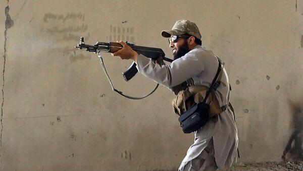Mercenarios de diez países luchan en las filas del Estado Islámico en Irak, según la OACDH - Sputnik Mundo