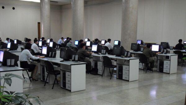 Aula de ordenadores en Corea del Norte - Sputnik Mundo