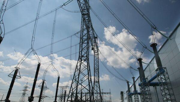 Caen un 22% las exportaciones de recursos energéticos rusos al Reino Unido en 2014 - Sputnik Mundo