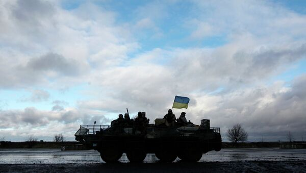 Las tropas de Kiev y los milicianos se acusan de infringir la tregua en Donbás - Sputnik Mundo