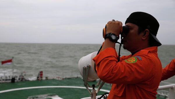 Amplían la zona de búsqueda del avión siniestrado de AirAsia - Sputnik Mundo