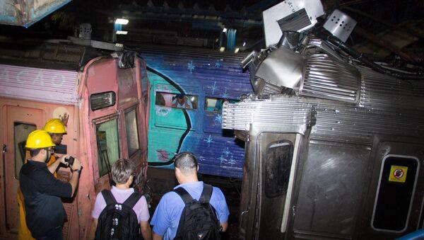 Al menos 158 personas resultaron heridas en un choque de trenes en Brasil - Sputnik Mundo