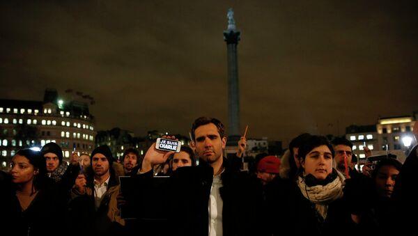 Reino Unido se moviliza contra el atentado islamista de París - Sputnik Mundo