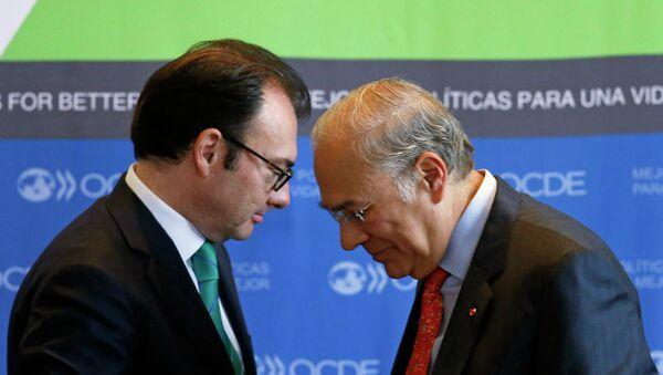 Luis Videgaray Caso y José Ángel Gurría Treviño - Sputnik Mundo