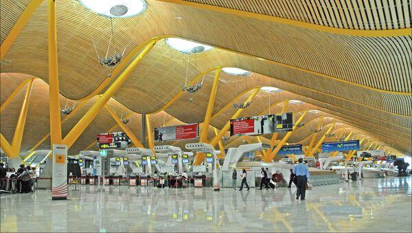 Aeropuerto Adolfo Suárez Madrid-Barajas - Sputnik Mundo