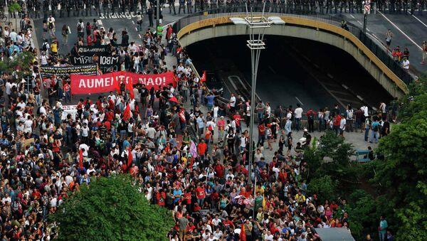 El Movimento Passe Livre de Brasil protesta por segunda vez en el centro São Paulo - Sputnik Mundo