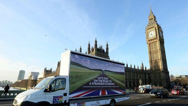 Las proyecciones constatan un sorprendente empuje de los conservadores británicos - Sputnik Mundo