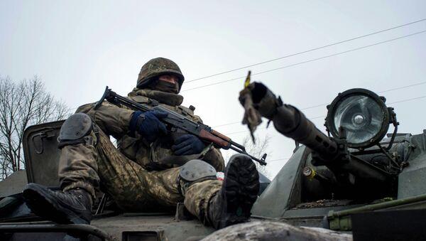 Soldado del ejército ucraniano - Sputnik Mundo