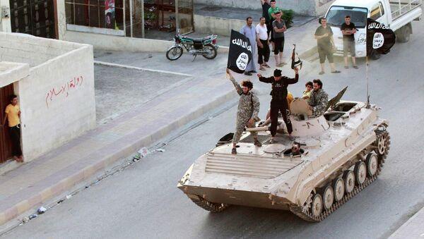 Miembros del grupo terrorista Estado Islámico - Sputnik Mundo
