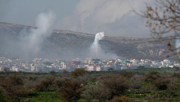 Bombardeo israelí en el sur del Líbano - Sputnik Mundo