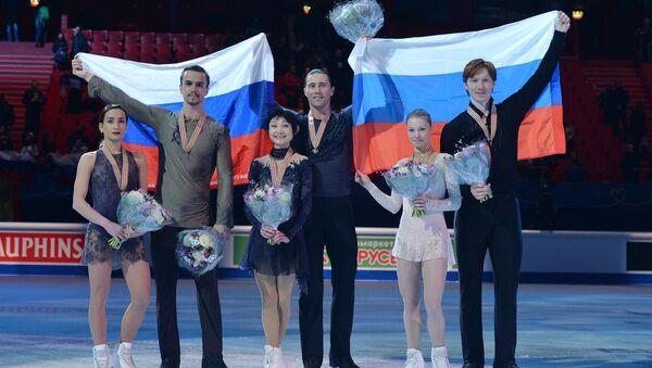 Ksenia Stolbova y Fedor Klimov, Yuko Kavaguti y Alexander Smirnov, Evgenia Tarasova y Vladimir Morozov - Sputnik Mundo