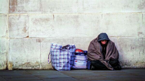Hombre sin hogar en Londres - Sputnik Mundo
