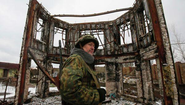 Miliciano de la República Popular de Donetsk en Uglegorsk - Sputnik Mundo