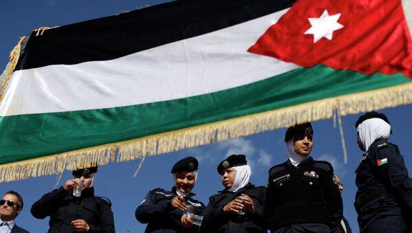 Jordania estudia lanzar una campaña militar terrestre contra el Estado Islámico - Sputnik Mundo