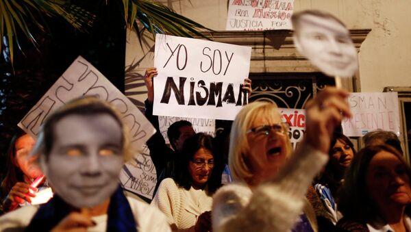 Centenares de miles de argentinos rinden homenaje al fiscal Nisman en marcha de silencio - Sputnik Mundo