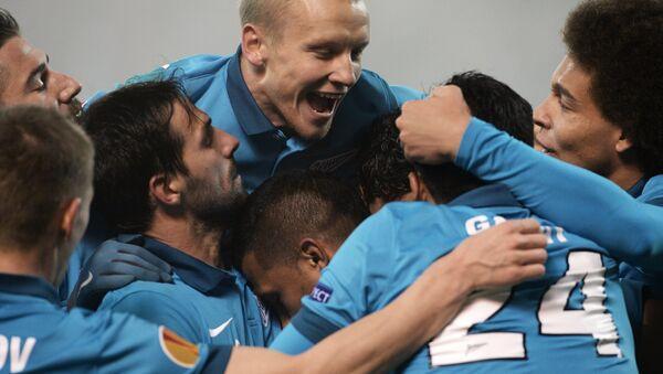 Jugadores de Zenit después del partido con PSV Eindhoven holandés - Sputnik Mundo