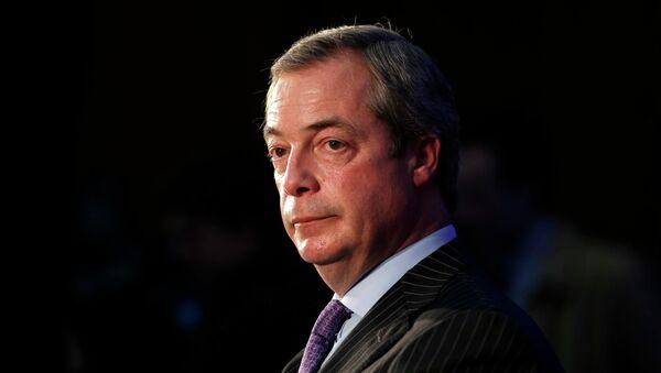 El exlíder del UKIP, Nigel Farage - Sputnik Mundo