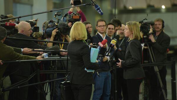 Federica Mogherini después de la reunión informal de titulares de Exteriores de UE en Riga - Sputnik Mundo