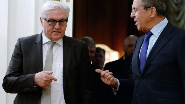 Ministro de Asuntos Exteriores de Rusia, Serguéi Lavrov con su homólogo alemán, Frank-Walter Steinmeier (Archivo) - Sputnik Mundo