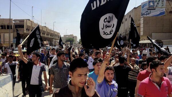 Milicianos de Estado Islámico - Sputnik Mundo