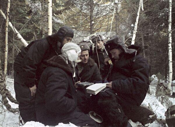El cosmonauta Alexéi Leónov y los 23 minutos que entraron en la historia - Sputnik Mundo