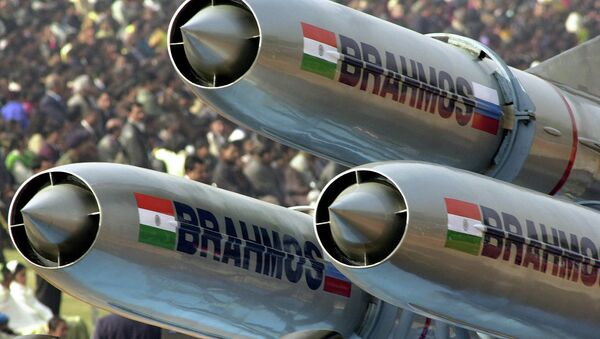 Misiles de crucero supersónico BrahMos (Archivo) - Sputnik Mundo