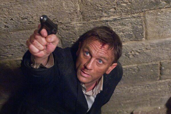Daniel Craig ha sido el actor que más tiempo sostuvo al personaje del agente 007. - Sputnik Mundo