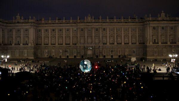Palacio Real en Madrid durante la Hora de la Tierra - Sputnik Mundo