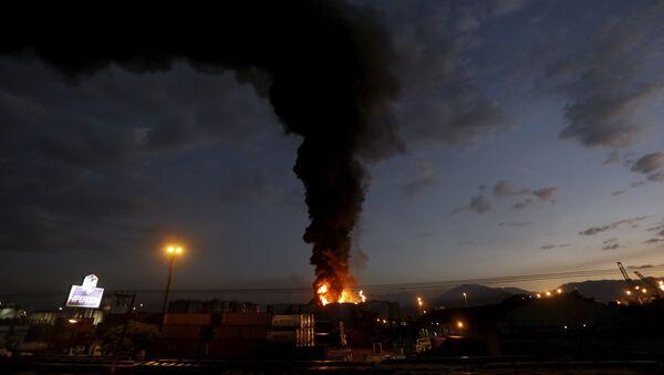 Incendio en el puerto de Santos - Sputnik Mundo