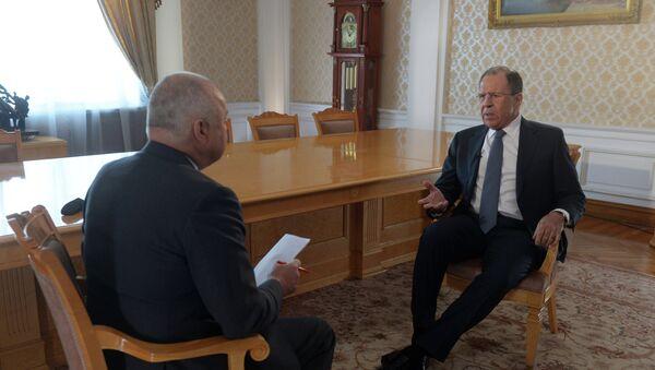 Serguéi Lavrov, ministro de Asuntos Exteriores de Rusia, durante la entrevista con el director general de Rossiya Segodnya, Dmitri Kiseliov - Sputnik Mundo