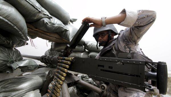 Un militar saudí en la frontera con Yemen (archivo) - Sputnik Mundo