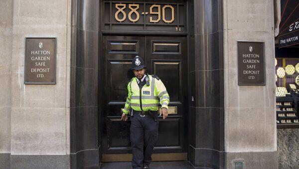 El robo en la calle de los joyeros de Londres puede superar los 200 millones de euros - Sputnik Mundo