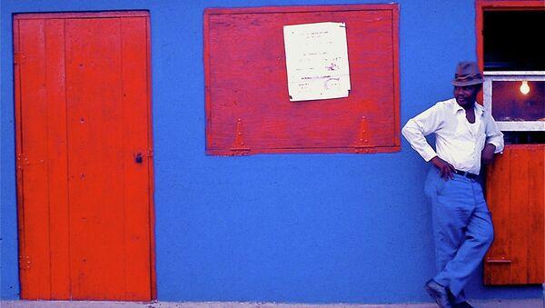 Blue _Pants _man _Pinones_ Puerto Rico - Sputnik Mundo