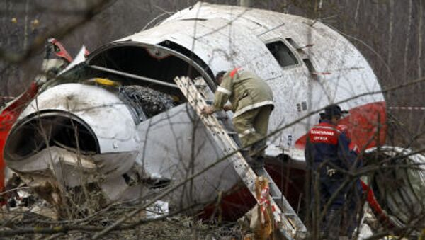 Los escombros del avión del presidente Lech Kaczynski - Sputnik Mundo