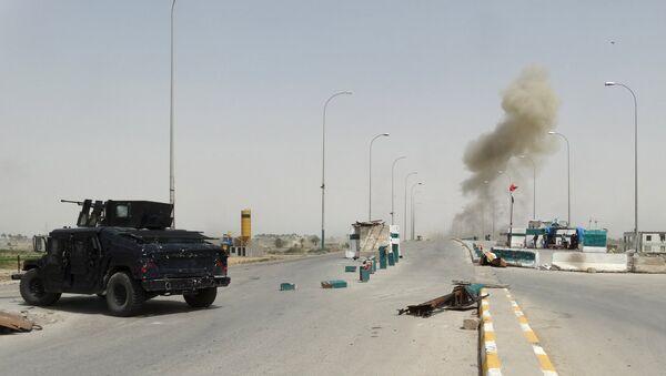 Enfrentamientos entre las fuerzas de seguridad iraquíes y los militantes de  Estado Islámico - Sputnik Mundo