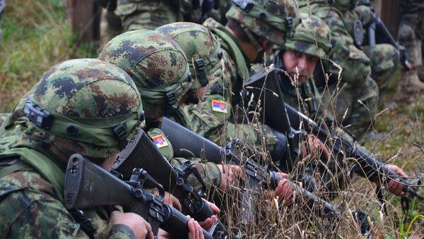 Soldados serbios - Sputnik Mundo