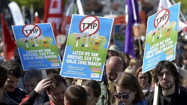 Europa se levanta contra el TTIP - Sputnik Mundo