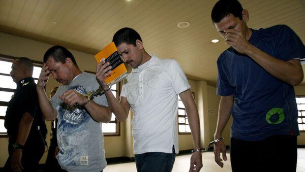 Los hermanos Luis Alfonso (45 años), Simón (37) y José Regino (34) - Sputnik Mundo