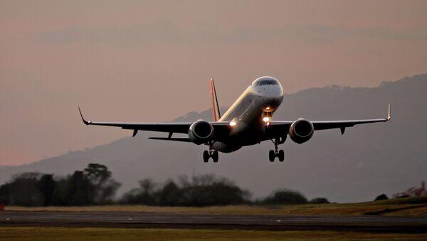 Embraer E190 - Sputnik Mundo