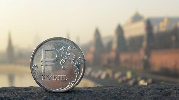 Rublo, moneda rusa (archivo) - Sputnik Mundo
