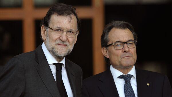 Presidente del Gobierno de España, Mariano Rajoy, y presidente de Cataluña, Artur Mas - Sputnik Mundo