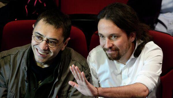 Juan Carlos Monedero y Pablo Iglesias (Archivo) - Sputnik Mundo