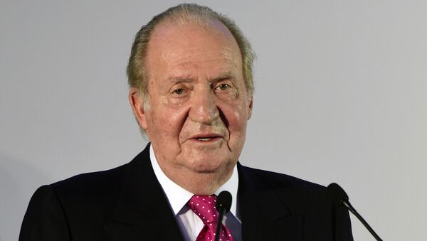 Spain's King Juan Carlos gives a speech at a dinner during the 25th plenary assembly of the Latin American Business Council (CEAL) in Madrid on October 2, 2014. - Sputnik Mundo