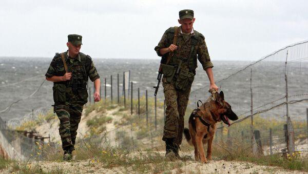 Guardias fronterizos rusos en la frontera de Rusia con Polonia (archivo) - Sputnik Mundo